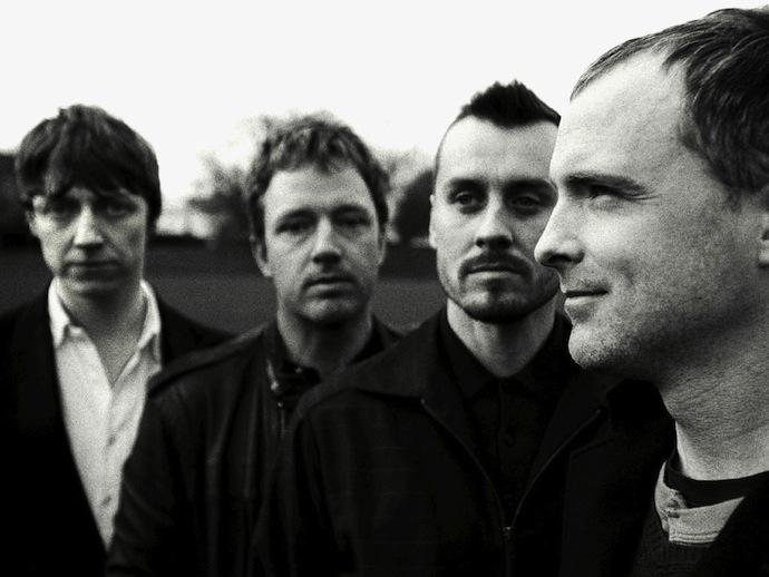 Travis — шотландская рок-группа, названная по имени главного героя фильма Вима Вендерса «Париж, Техас». На группу оказали влияние такие исполнители, как Oasis и Radiohead