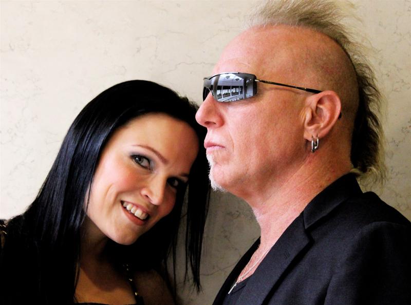 Майк Террана — американский барабанщик, играющий преимущественно в жанре Hard Rock. Тарья Сусанна Турунен — финская оперная и рок-певица, пианистка, композитор, бывшая вокалистка симфо-метал-группы Nightwish.