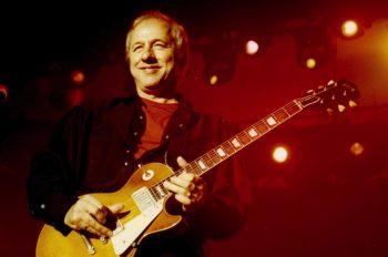 Mark Freuder Knopfler - британский рок-музыкант, певец и композитор, один из сооснователей группы Dire Straits