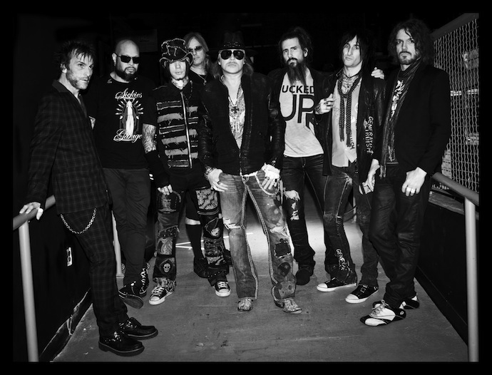 Guns N' Roses - американская рок-группа, получившая всемирную известность в конце 1980-х и начале 1990-х.