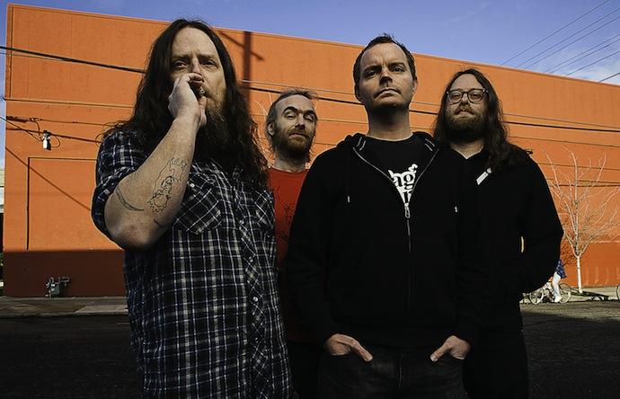 Red Fang — стоунер-метал-группа из США, основанная в 2005 году. Выпустила два студийных альбома и три клипа