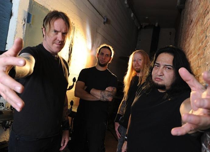 Fear Factory — американская метал-группа из Лос-Анджелеса