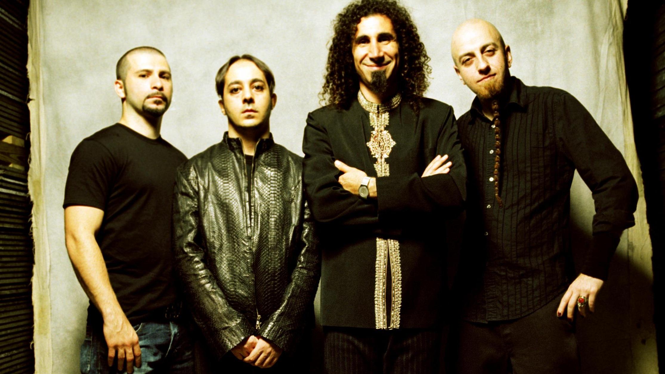 System of a Down (SOAD) — американская рок-группа, образованная в 1992 году в Лос-Анджелесе Сержем Танкяном и Дароном Малакяном