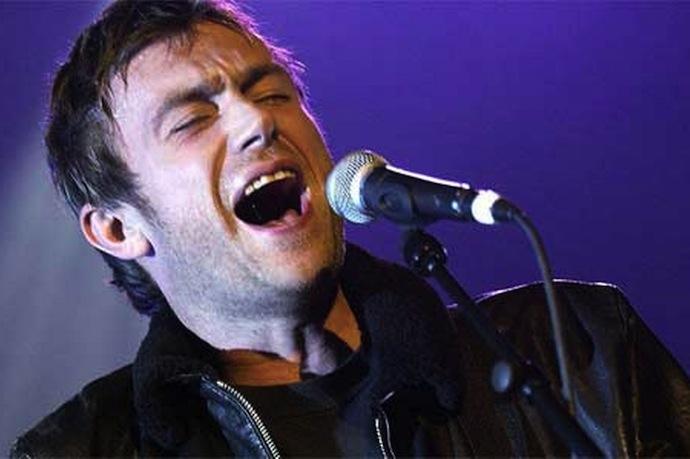 Дэймон Албарн — английский рок-музыкант, известный прежде всего как фронтмен группы Blur, а также как основоположник и участник проектов Gorillaz и The Good, The Bad & The Queen
