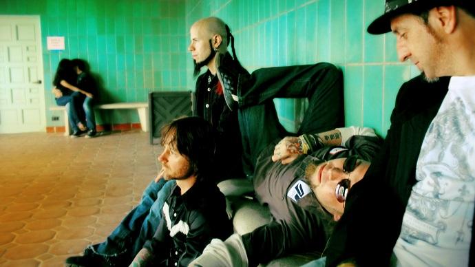 «Drowning Pool» -известная американская группа, играющая музыку в стиле метал.