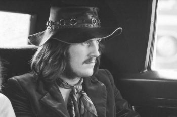 ob_500b42_john-bonham-led-zeppelin-in-car