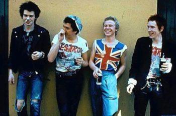 Sex Pistols — британская музыкальная группа, образованная в 1975 году в Лондоне и исполняющая панк-рок