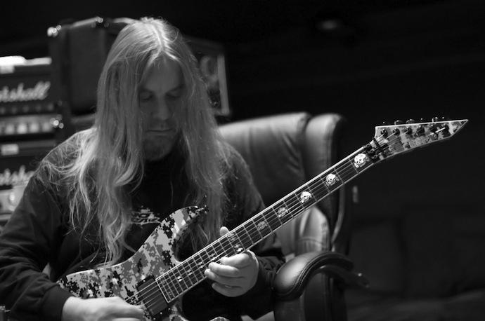 Джефф Ханнеман (англ. Jeff Hanneman; 31 января 1964 года — 2 мая 2013 года) — гитарист и один из основателей американской трэш-метал-группы.