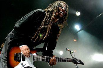 Джеймс Кристиан «Munky» Шаффер — ритм-гитарист группы Korn, а также соло-гитарист проекта Fear and the Nervous System