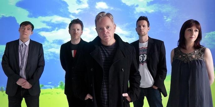 New Order — британская рок-группа, образованная в 1980 году в Манчестере членами Joy Division — Бернардом Самнером, Питером Хуком и Стивеном Моррисом, — после того как их лидер Иэн Кёртис покончил жизнь самоубийством