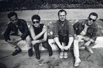 Pixies — американская группа альтернативного рока. Основана в Бостоне (штат Массачусетс) в 1986 году и в 1993 распалась. В 2004 группа снова объединилась в оригинальном составе