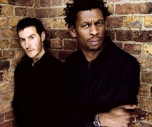 группа из Бристоля (Великобритания), образованная в 1988 году, пионеры музыкального стиля trip-hop.