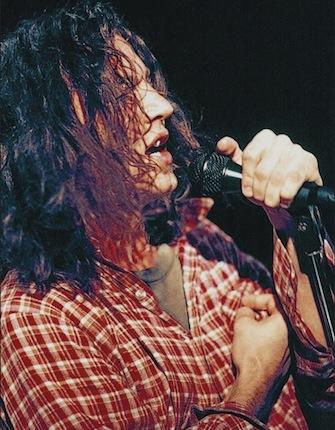 Pearl Jam — одна из четырех главных групп (наряду с Alice in Chains, Nirvana и Soundgarden) музыкального движения гранж, пользовавшегося большой популярностью в первой половине 90-х годов XX века.