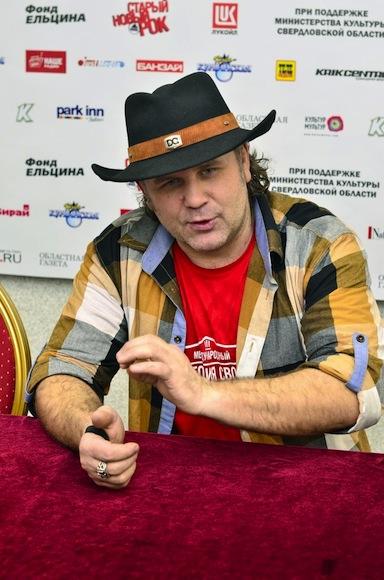 Олег Универсал