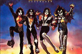 kiss destroyer 1976 факты Сегодня исполняется 38 лет с момента выхода четвертого альбома хард-рок-группы Kiss, получившего название Destroyer.