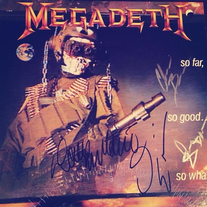 Пластинка с автографами группы Megadeth. Концерт в ray just arena 29.07.14