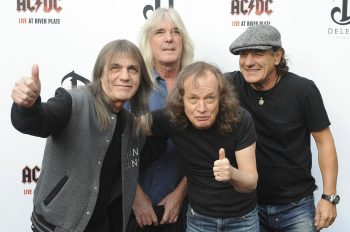 AC/DC выступят на Glastonbury 2015. AC/DC will perform Glastonbury 2015