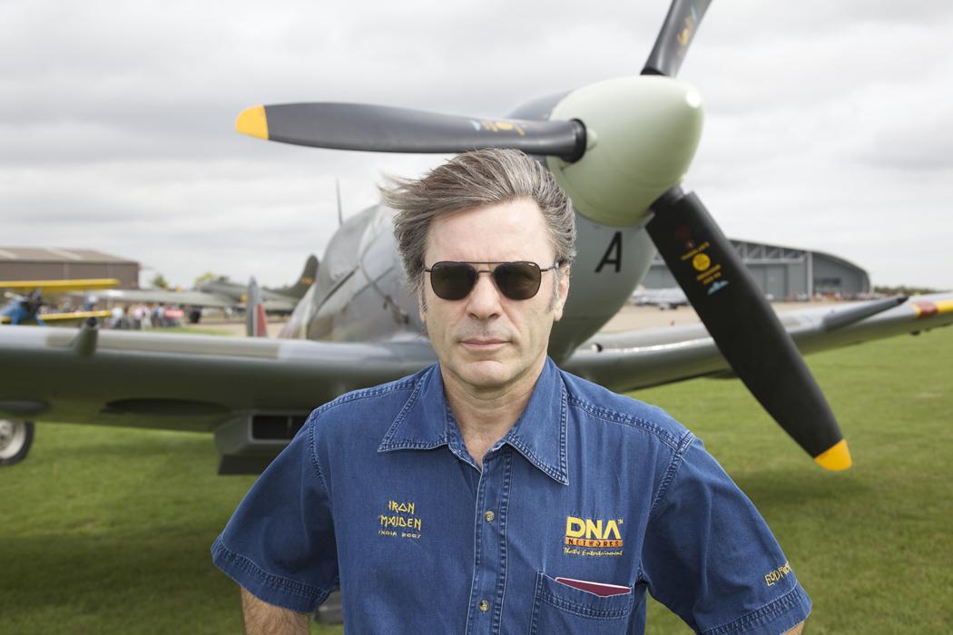 Брюс Дикинсон(Iron Maiden) будет пилотировать самолет-реплику Первой Мировой Войны