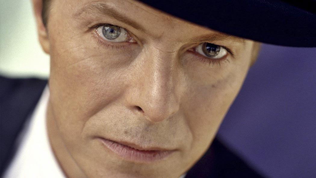 Дэвид Боуи выпускает новую песню. David Bowie will release a new song.