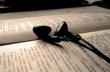 10 песен, написанных по мотивам книг