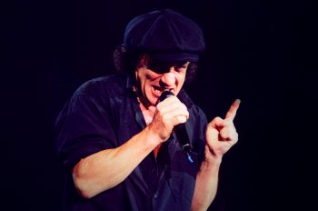 5 октября в истории рока - день рождения Брайана Джонсона 10 песен