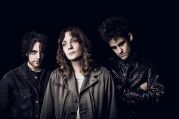 Black Rebel Motorcycle Club барабанщица операция на мозге. Black Rebel Motorcycle Club drummer brain surgery