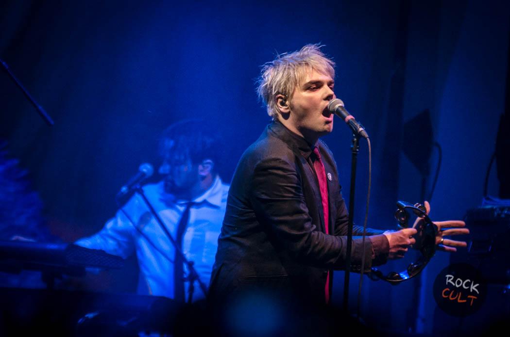 Gerard Way (64)