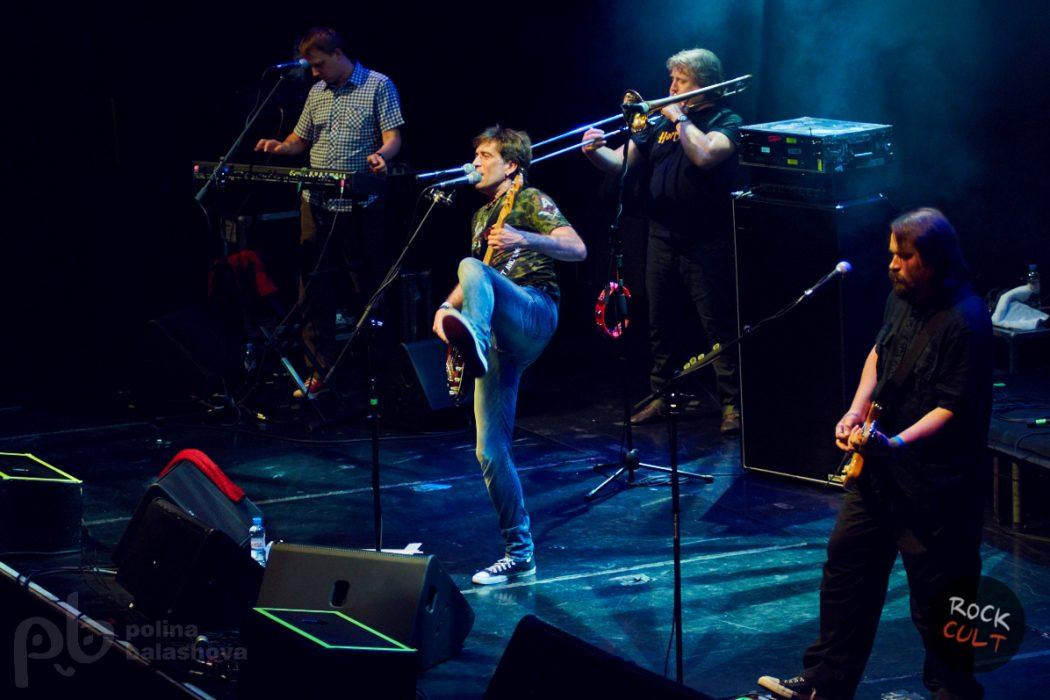 2015-06-27-nogu-svelo-yotaspace (8)