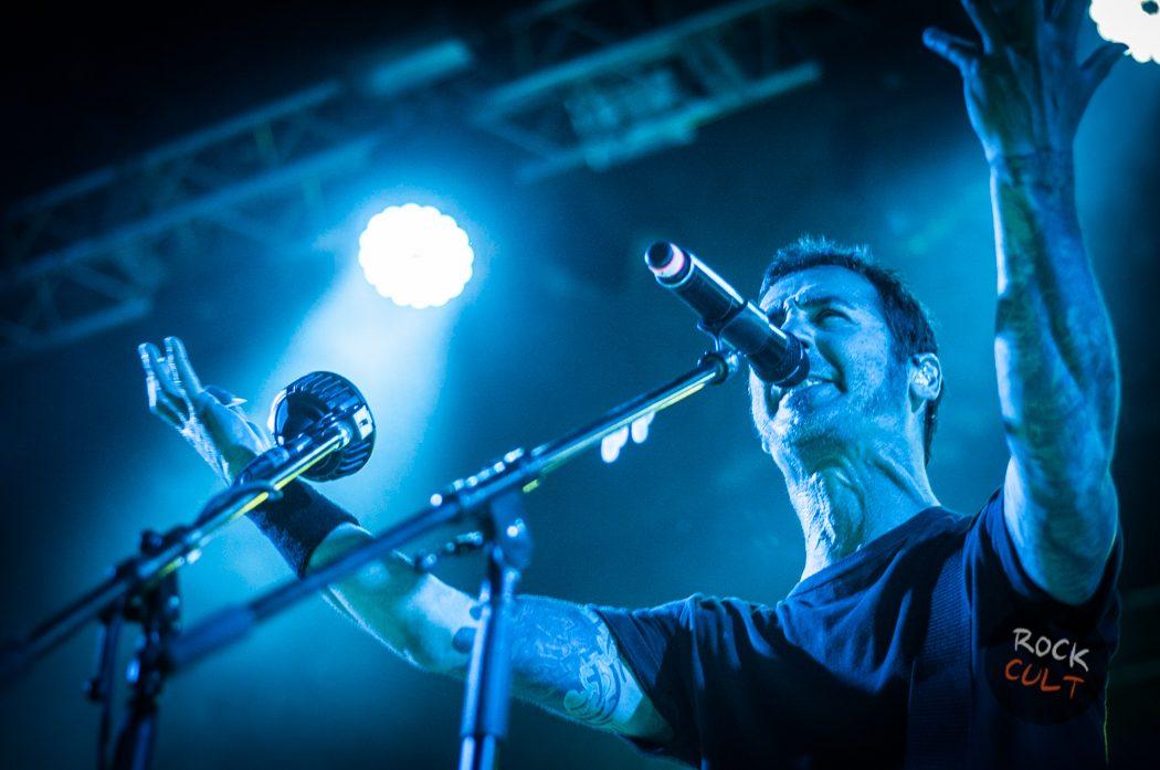 Godsmack -13)