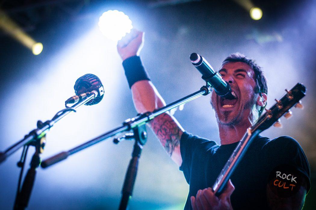 Godsmack -15)