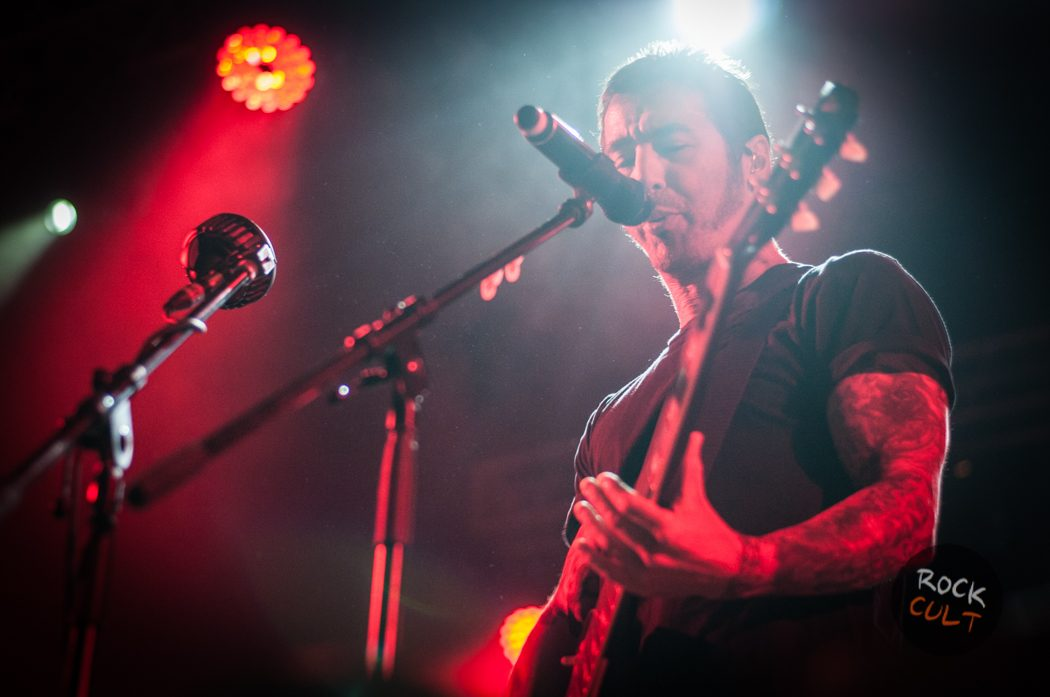 Godsmack -16)