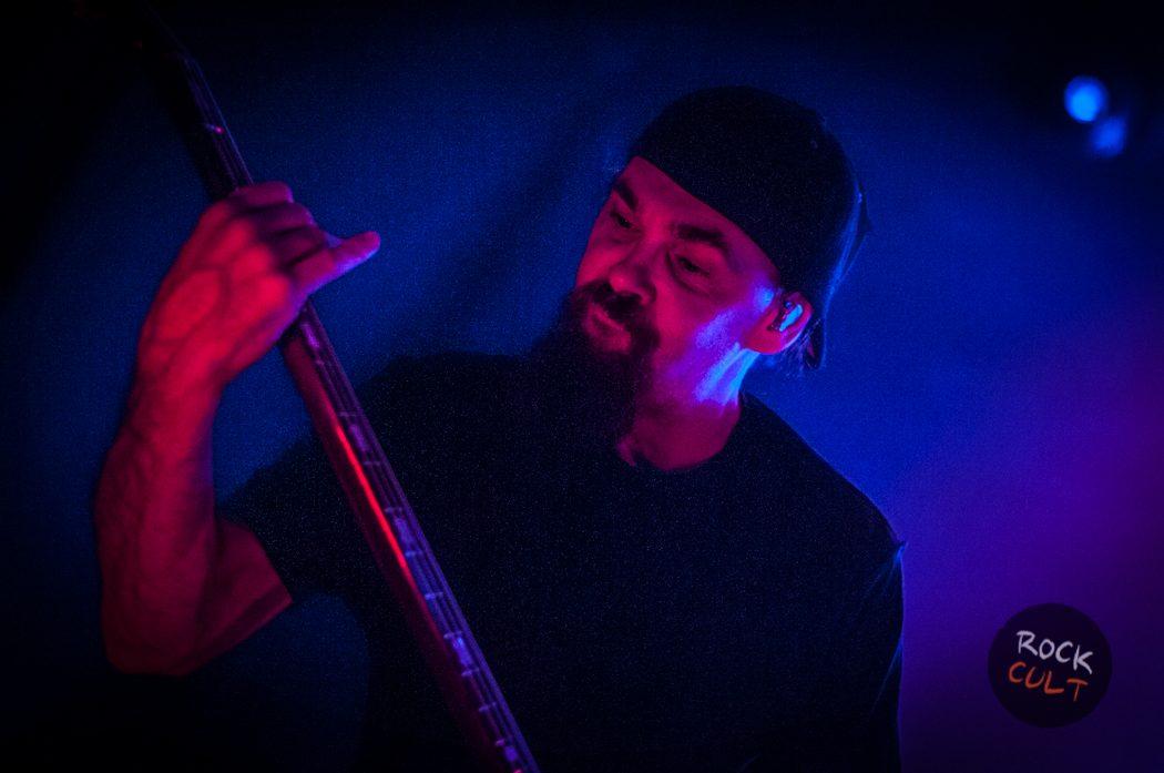 Godsmack -24)