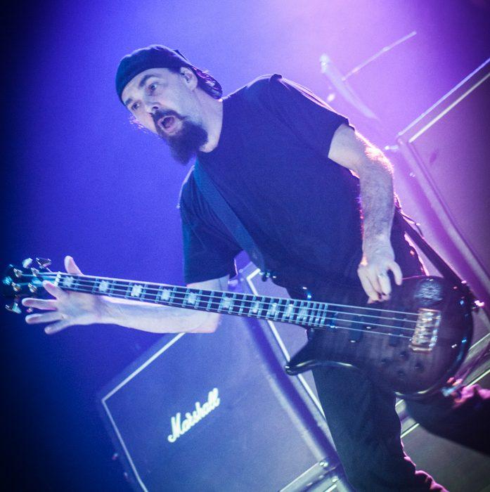 Godsmack -33)
