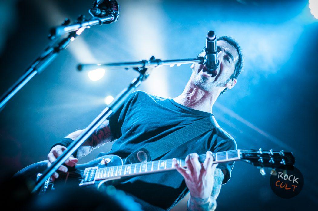 Godsmack -39)