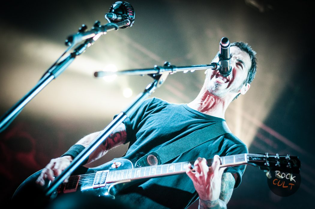 Godsmack -41)