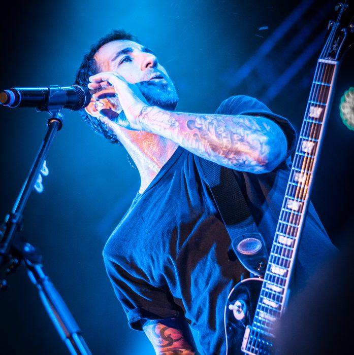 Godsmack -44)