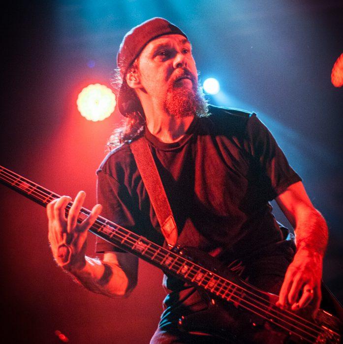Godsmack -68)