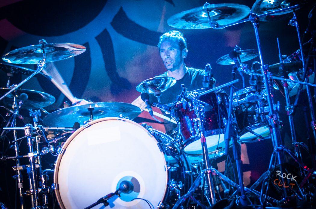 Godsmack -73)