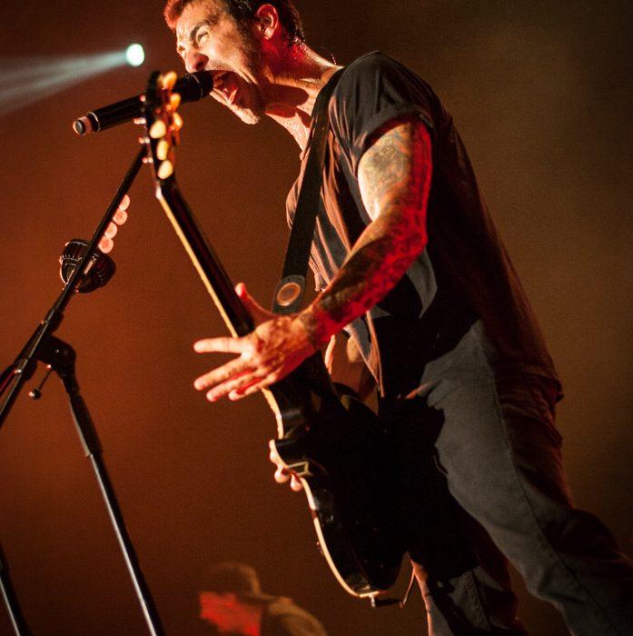 Godsmack -82)