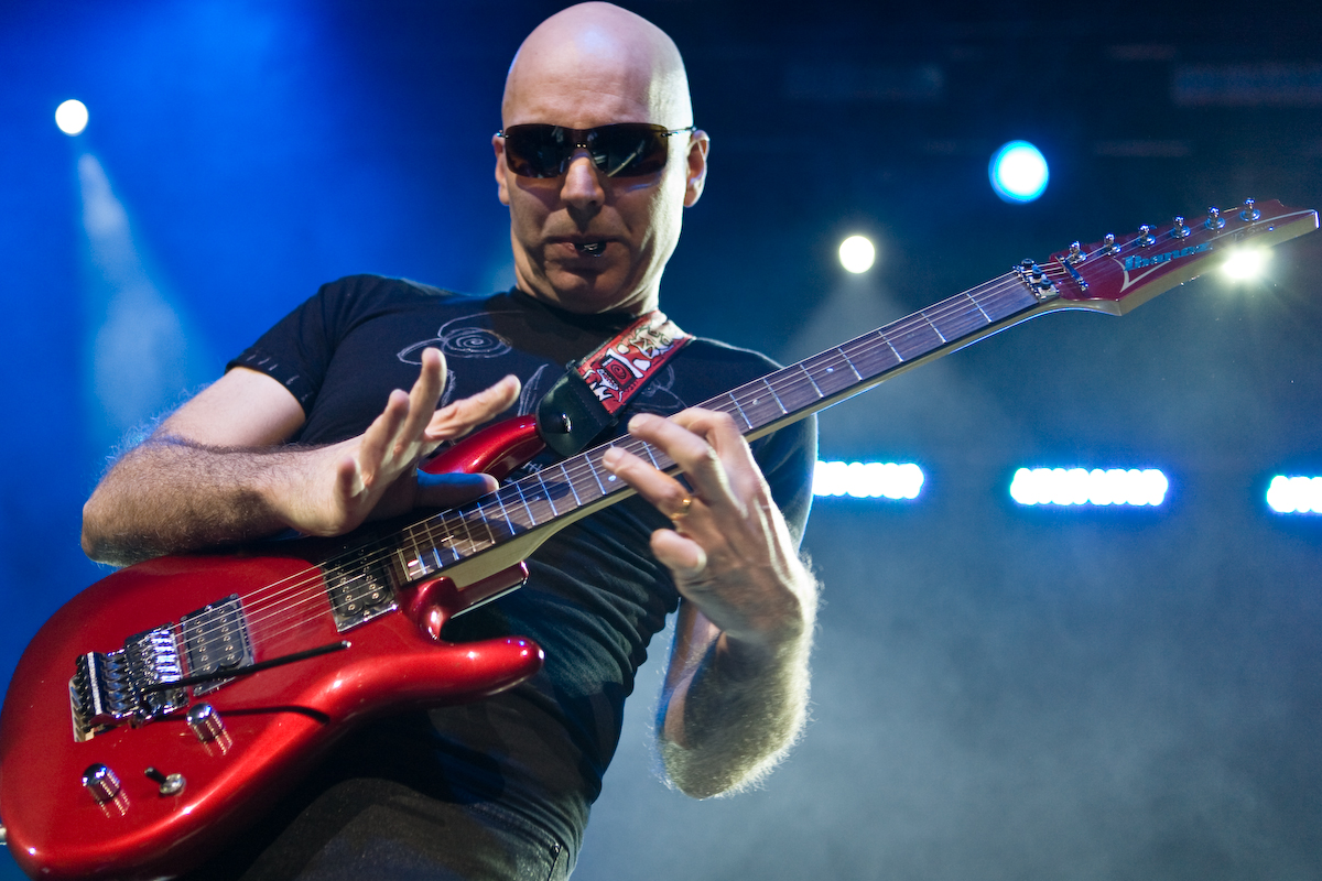Joe-Satriani's-New-Music-Video