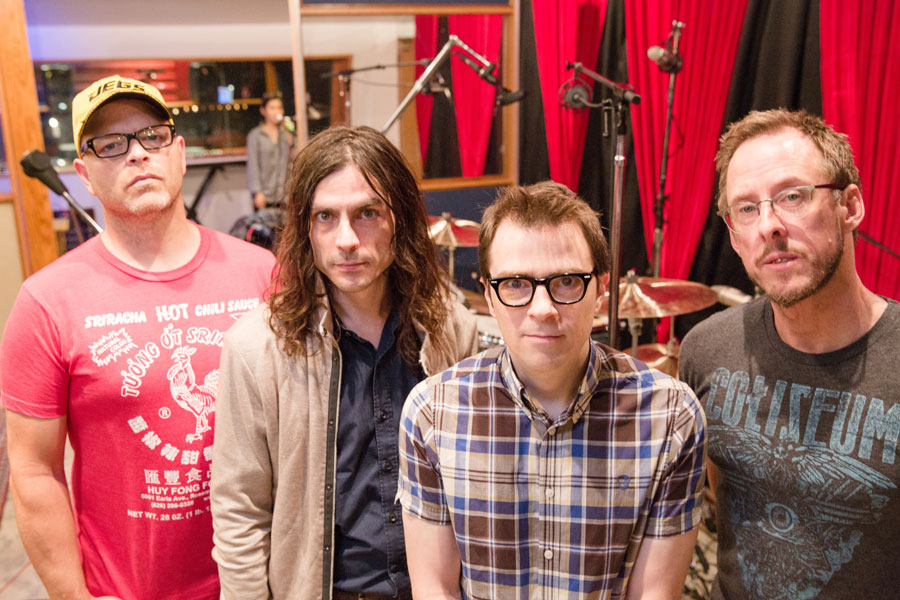 Weezer perfomed with Coumo's kids