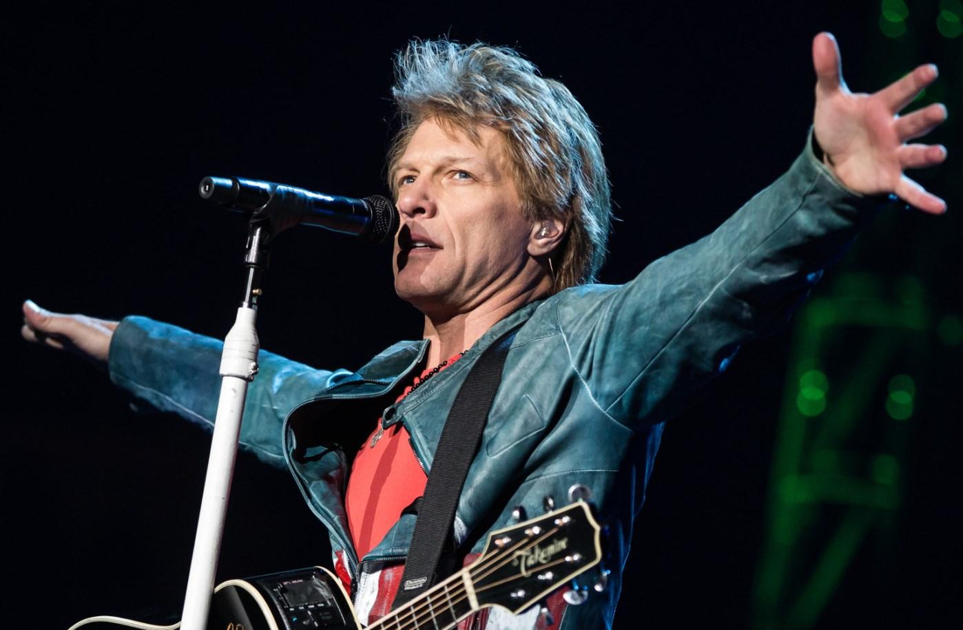 Bon-Jovi-Lives-Mercury