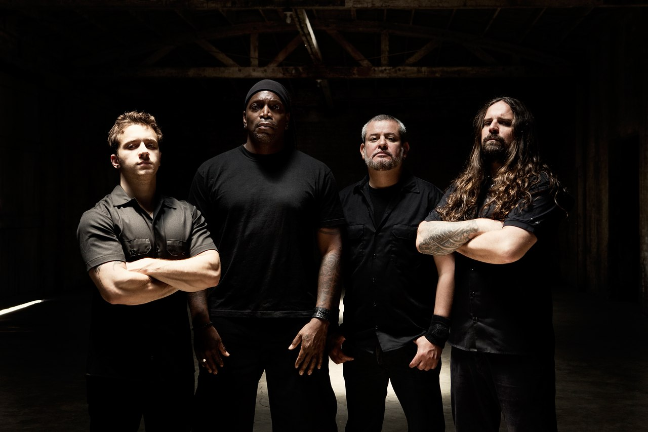 Sepultura-At-Bloodstock-2015