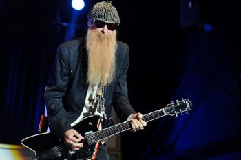 billy-gibbons-solo