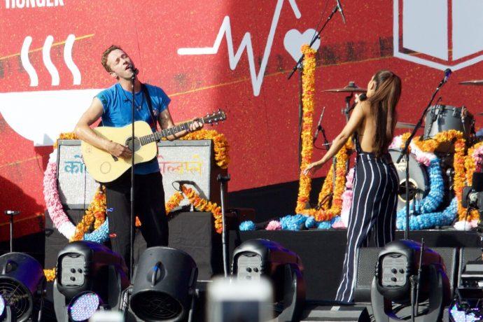 Coldplay-Ariana
