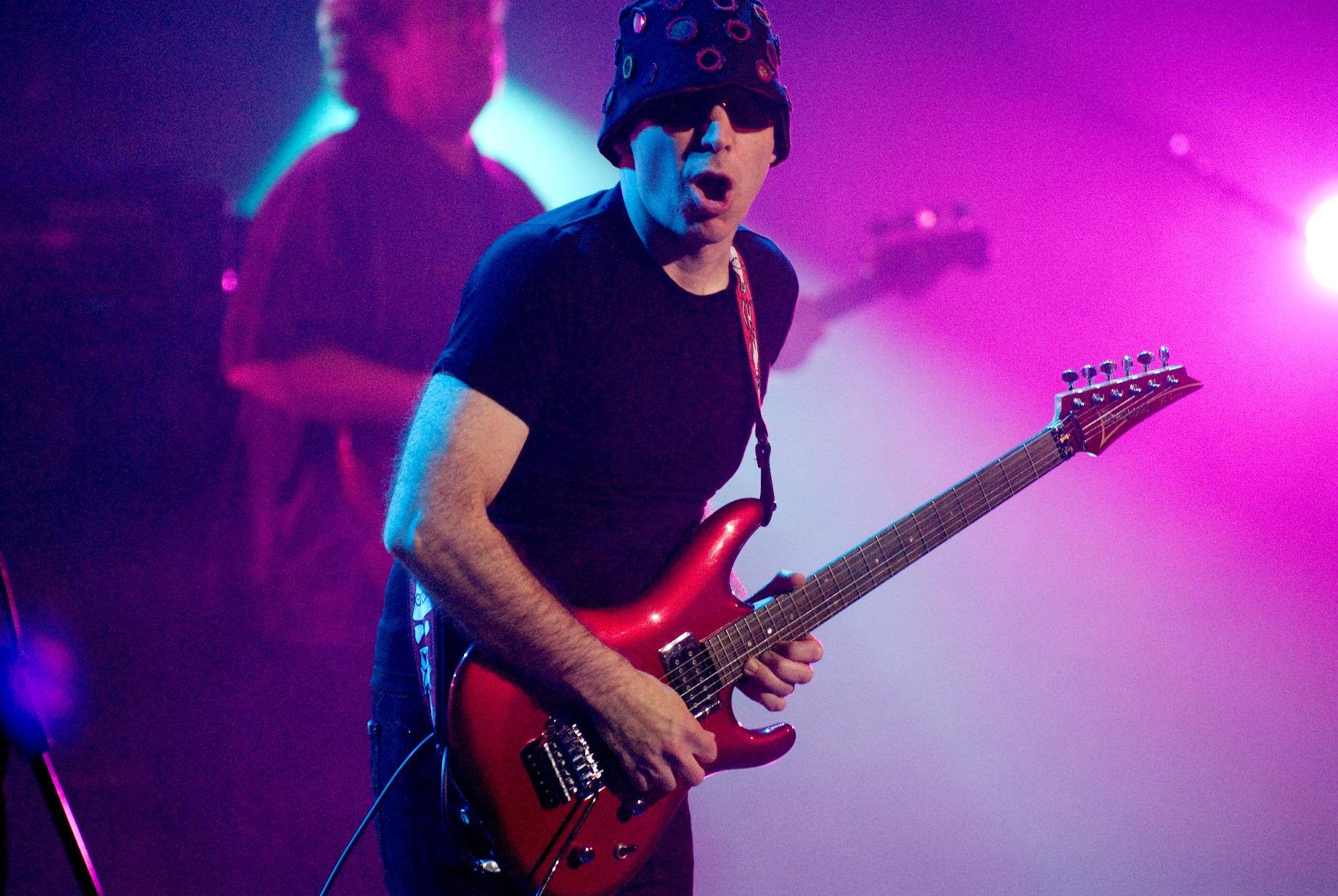 Joe-Satriani-Goes-On-Tour-2016