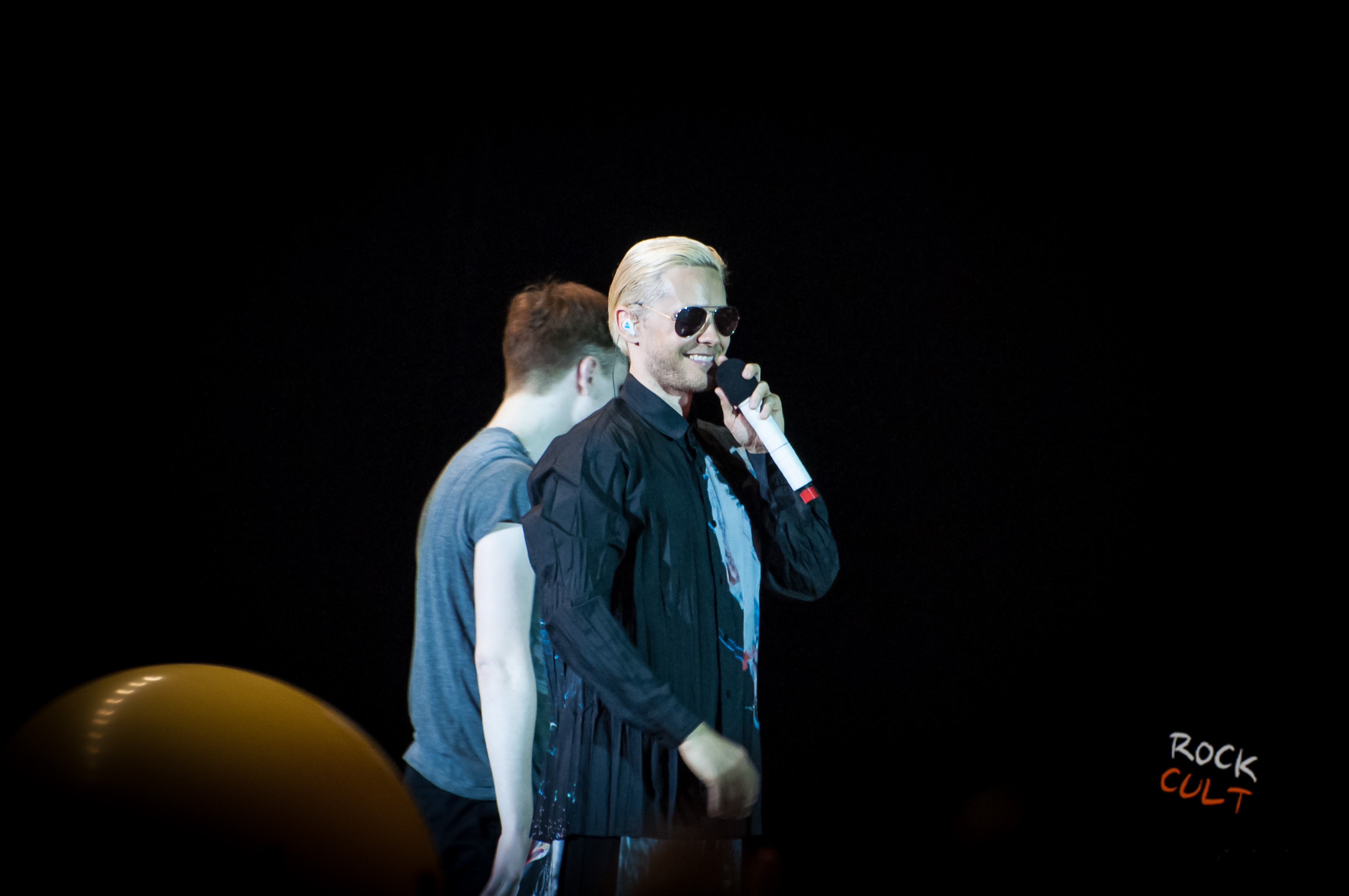 Thirty-Seconds-to-Mars-12