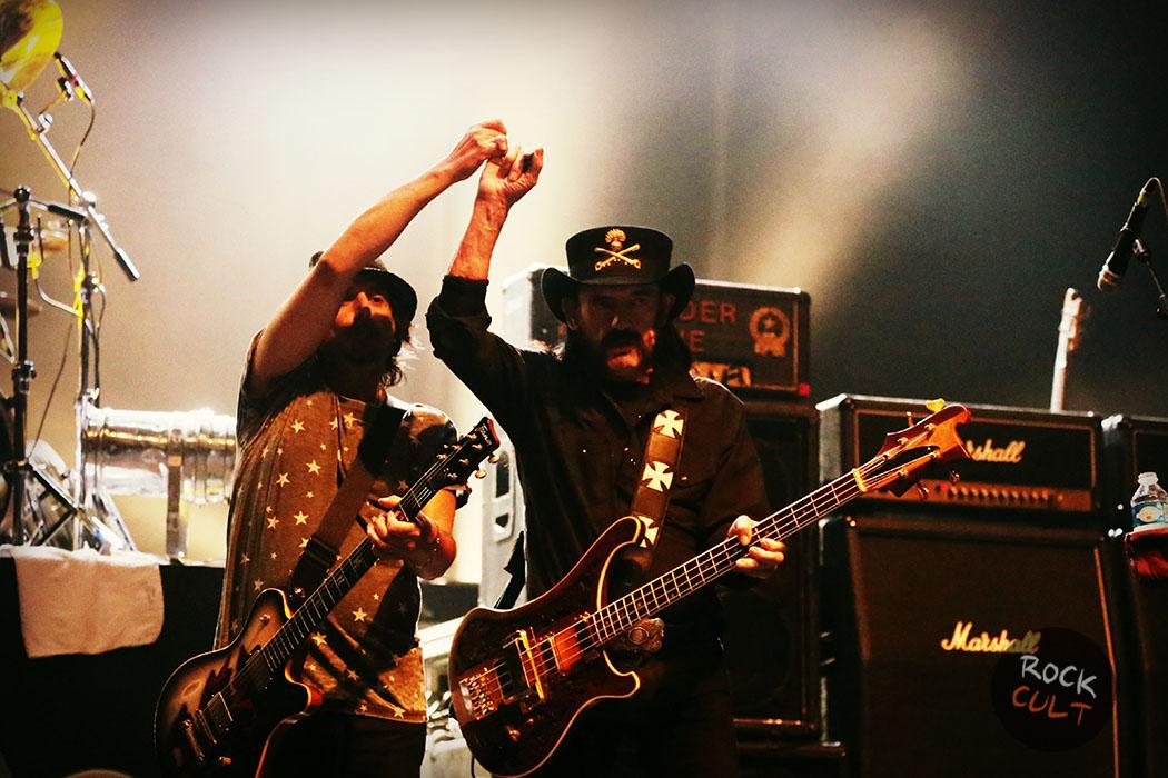 motorhead-guitarist-hospitalized