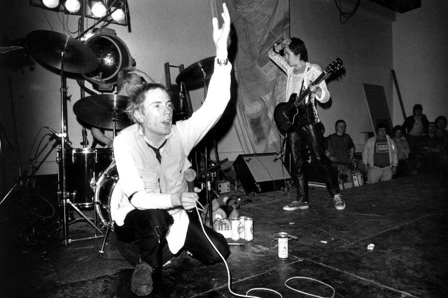 История первого концерта группы Sex Pistols - Роккульт