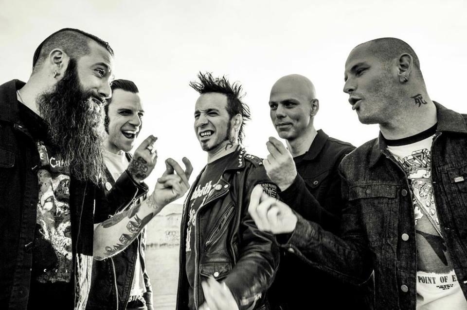 Stone Sour записали кавер на песню Iron Maiden Running Free